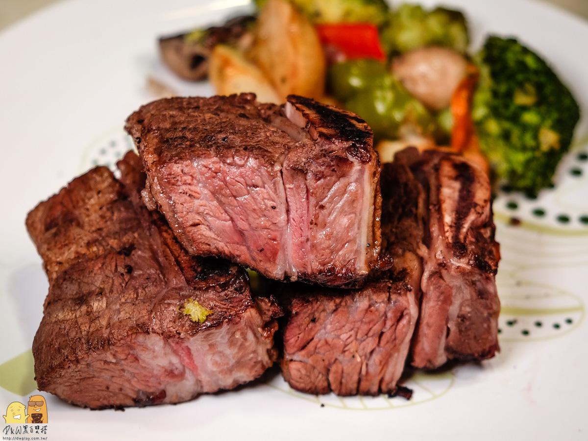 牛小排切面實照-阿根廷烤牛肉推薦